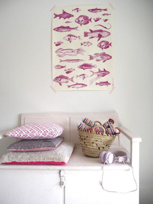 girl-room-with-a-touch-of-pink