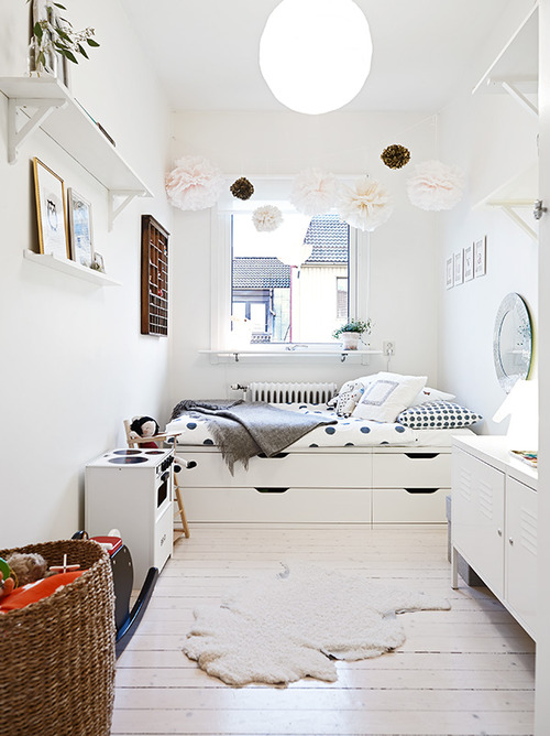 White room with pom poms. White room with pom poms   Petit   Small