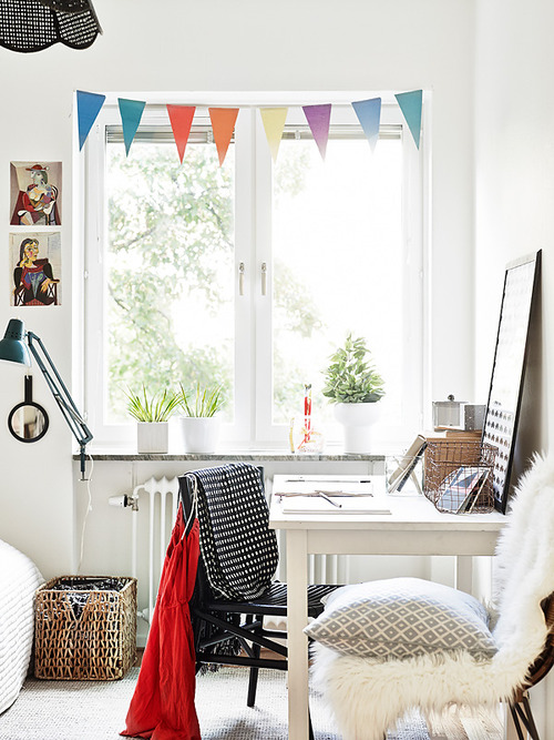 teenager-room-detail-desk