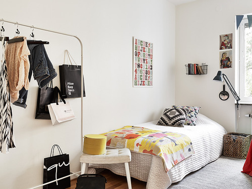 femenine-teen-room