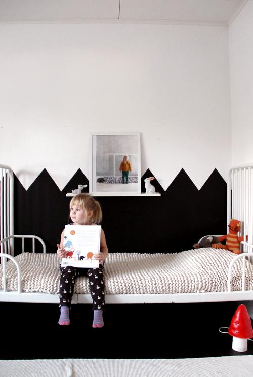 scandinavian-style-girls-room