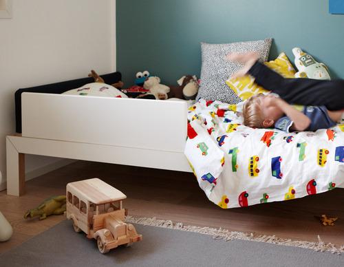 kid-bed-lundia