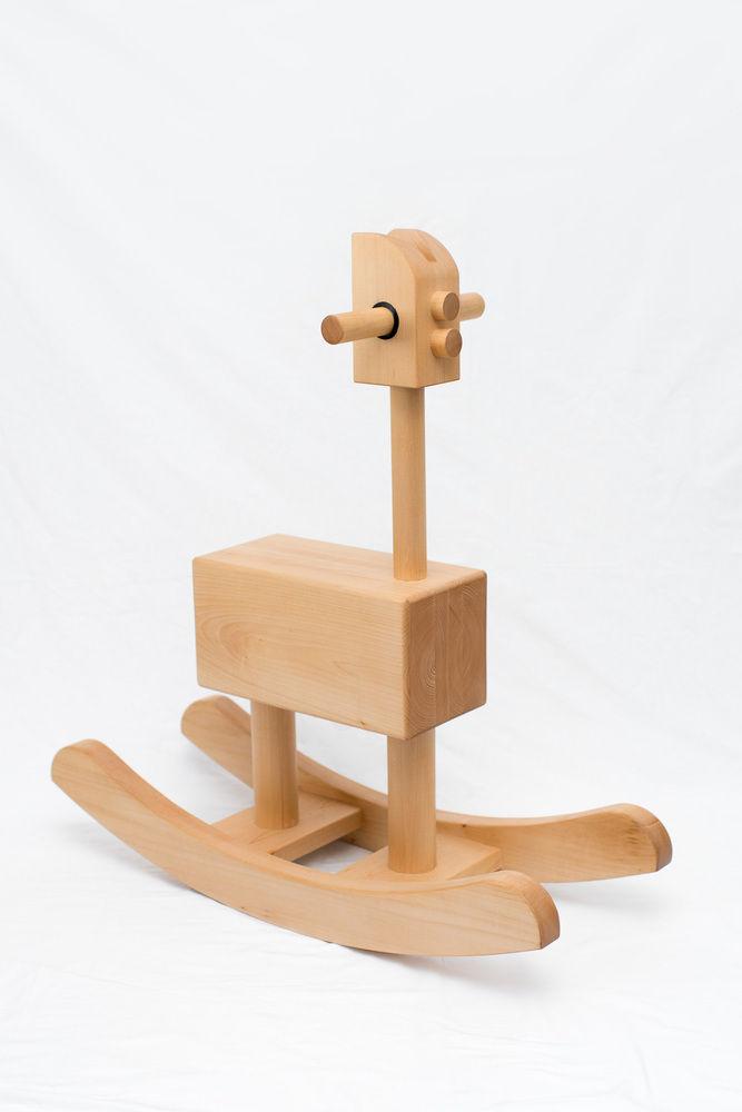 troton-rocking-chair-by-antonito-y-manolin