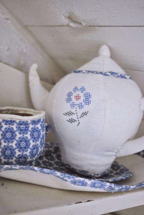 textile-teapot-toy