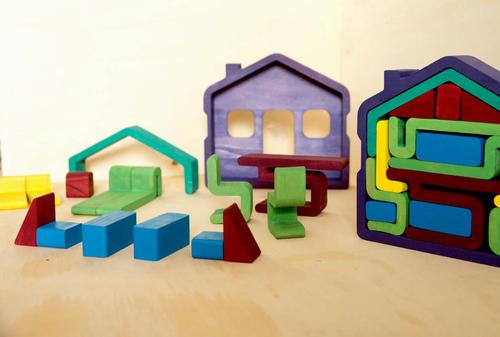 wood-house-puzzle