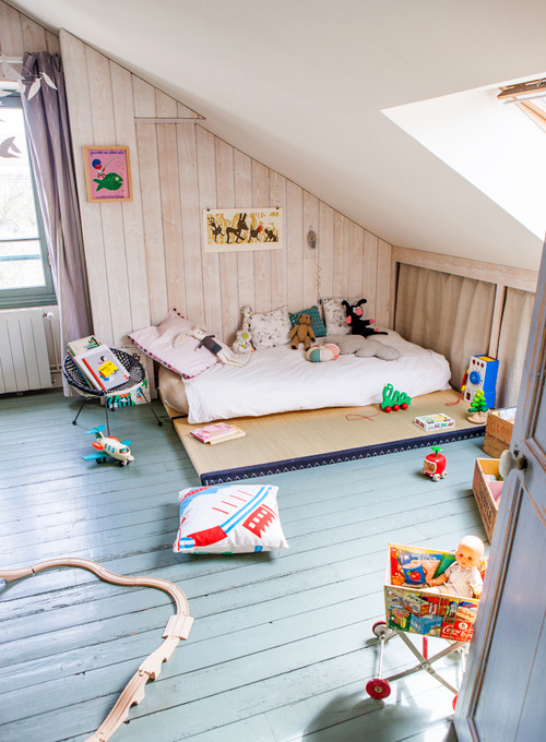 A Cosy Attic Room Petit Amp Small