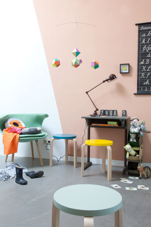 pastel-and-geometry-for-childrens-room