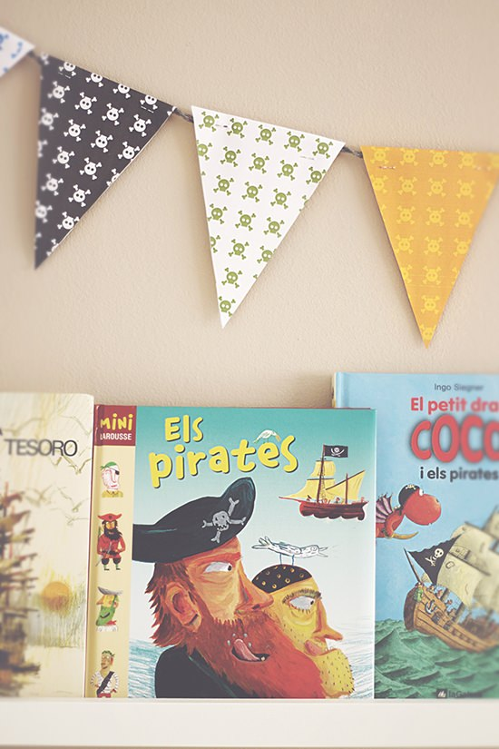 How to make a flag banner garland for a children's room