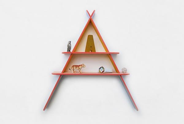 Children's letter-shaped shelves