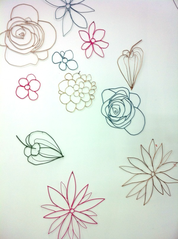 wire-flowers-by-Zoé-Rumeau