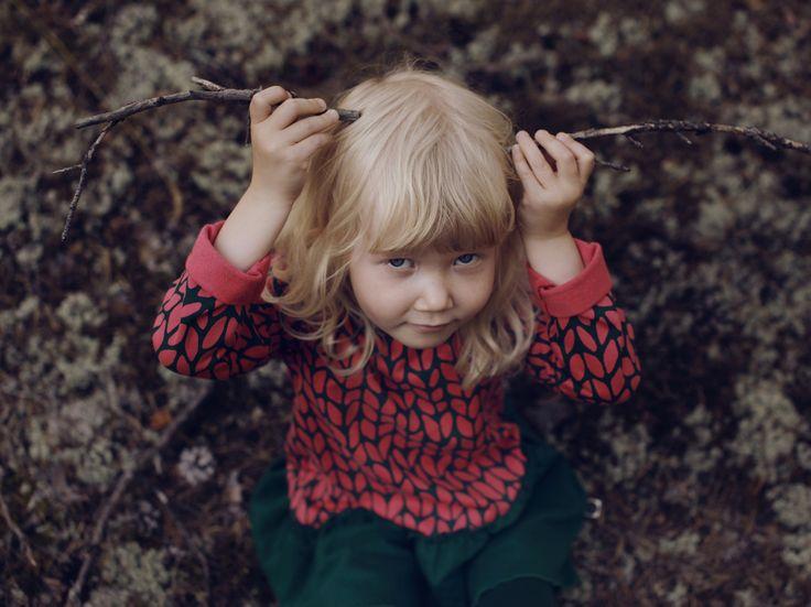 girl-sweater-mainio
