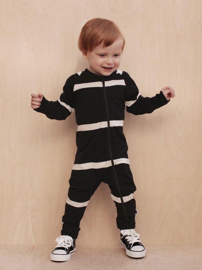 playsuit-mainio-black-and-white