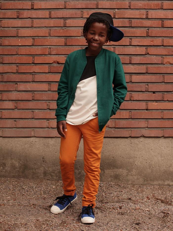 sweat-jacket-color-block-look