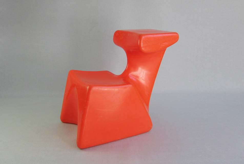Luigi-Colani-chair-desk