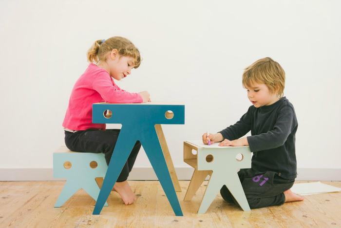 Nimio-The-Walrus-family-desk-stools