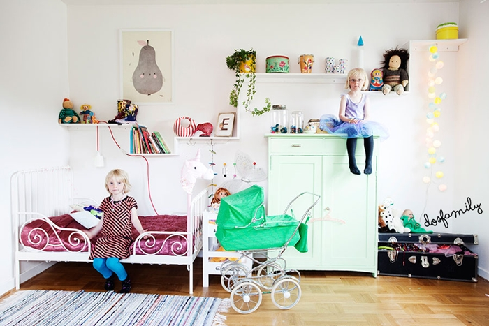 white-and-colour-shared-childrens-bedroom3
