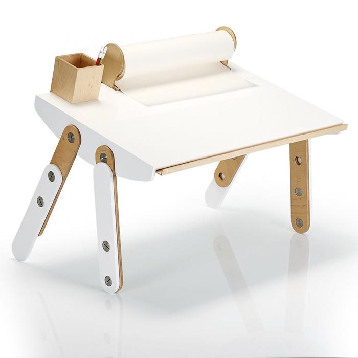 lilgaea-milky-desk-art