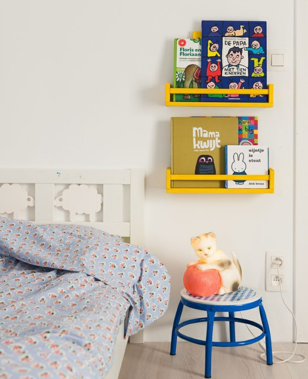 DIY: Shelf For Books Made With Ikea's Spice Rack