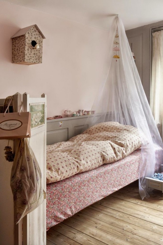7 cute bedrooms for girls petit small - Images of girls bedroom ...