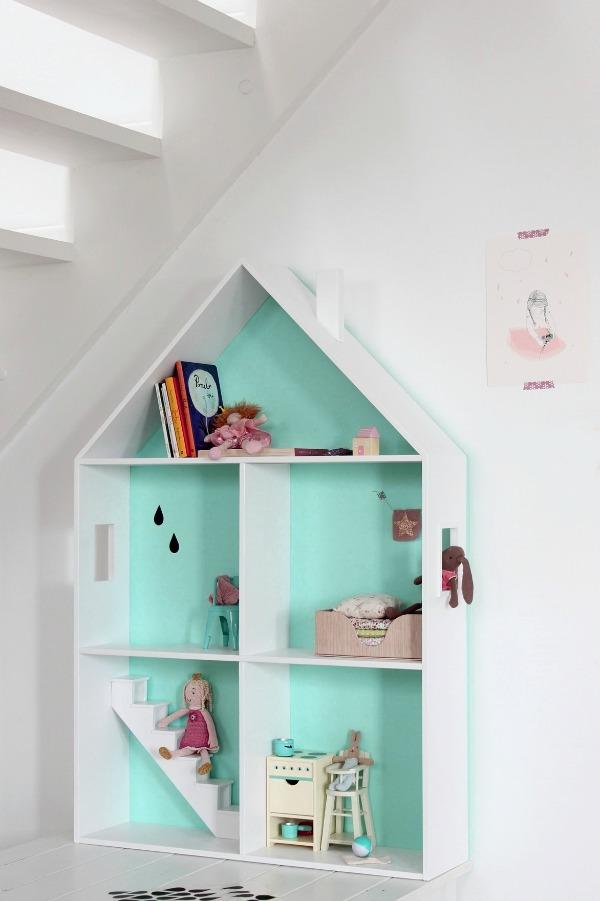 wood-szczescia-doll-house