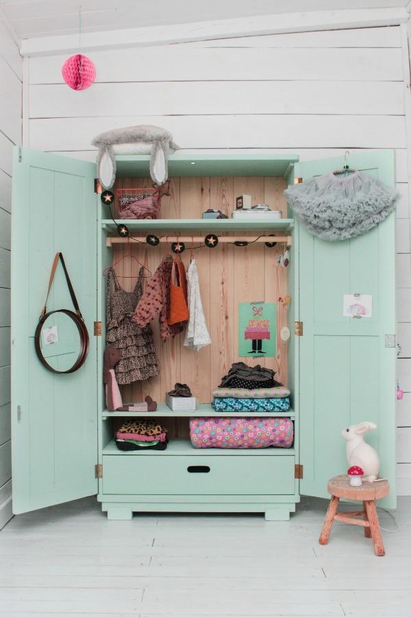 wood-szczescia-mint-cabinet
