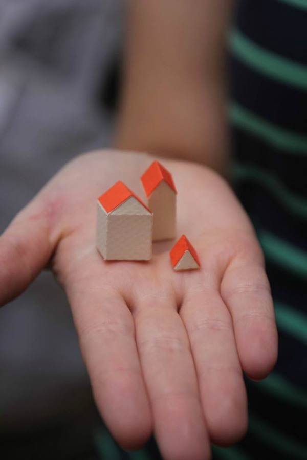 Paper houses by Guardabosques for the Inventando Ciudades (Inventing Cities) exhibition