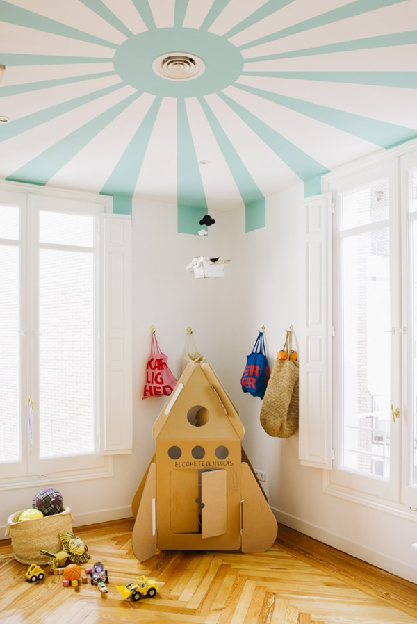 Circus themed for a kid 39 s room petit small for Circus themed bedroom ideas