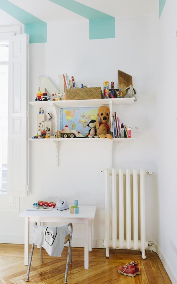 circus-room-shelves6