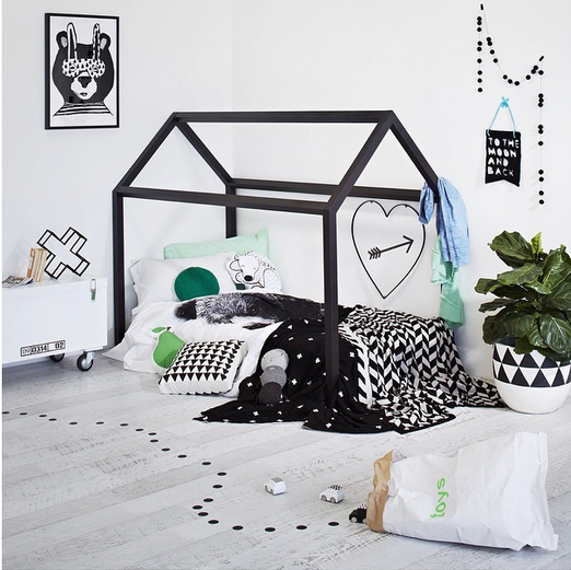 house-black-structures-for-kids-room6