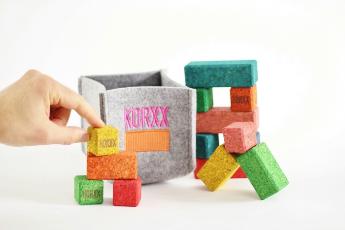 coloured-cork-building-blocks-brickle
