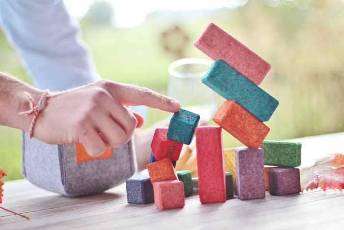 coloured-cork-building-blocks-brickle2