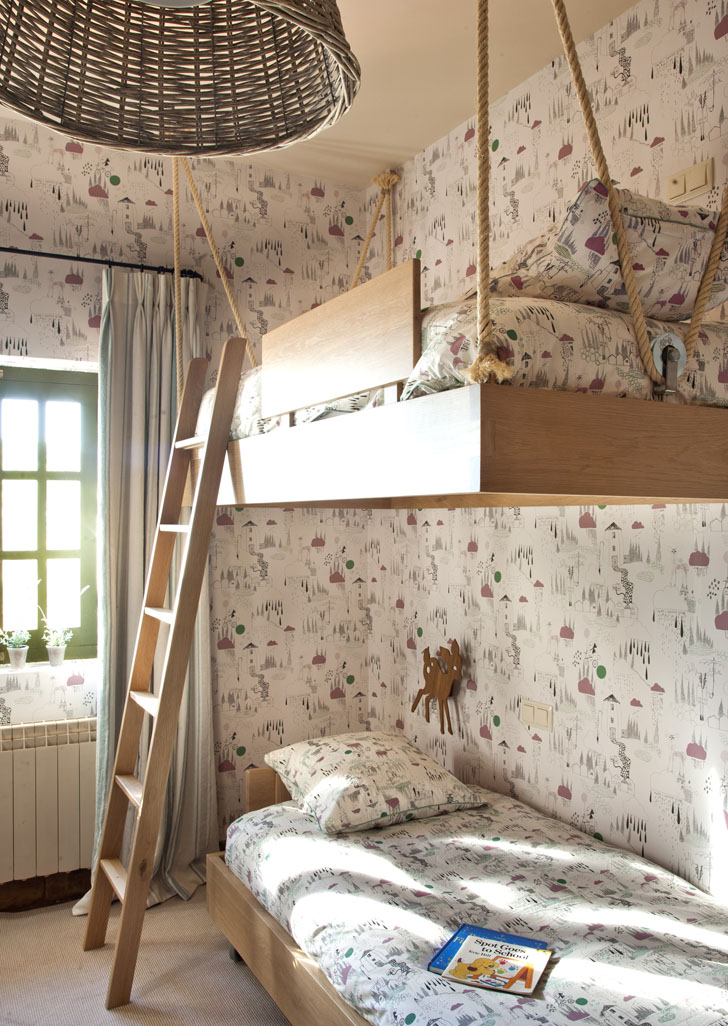 kids-room-hanging-beds1