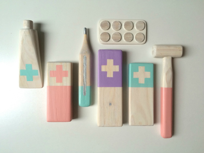 diy-doctor-tools-from-scraps