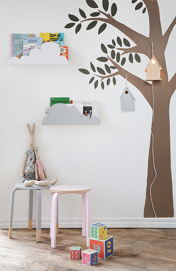 Ikea hack for kids cloud shelves petit small - Estanterias originales de pared ...