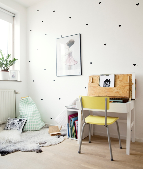 Play And Study Room: 7 Different And Cute Kid's Workspaces