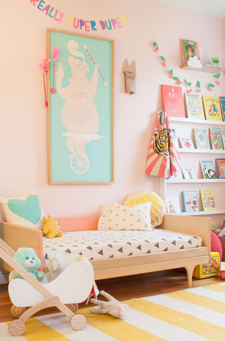 Inspiring room with pastel tones petit small for Fun room decor