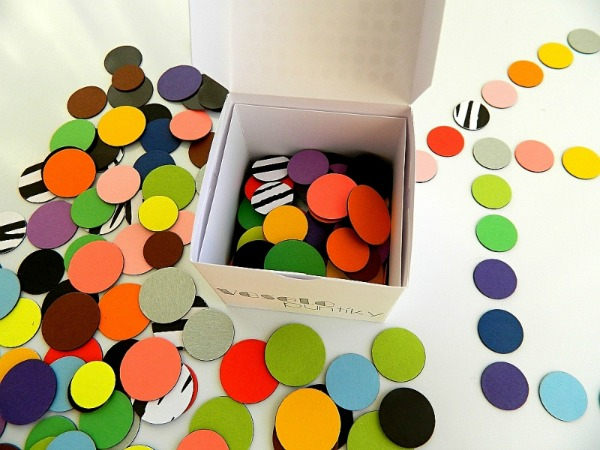 Let's get creative with dots – Fu. Fo's bumper box of magnetic disks has 240 of them!