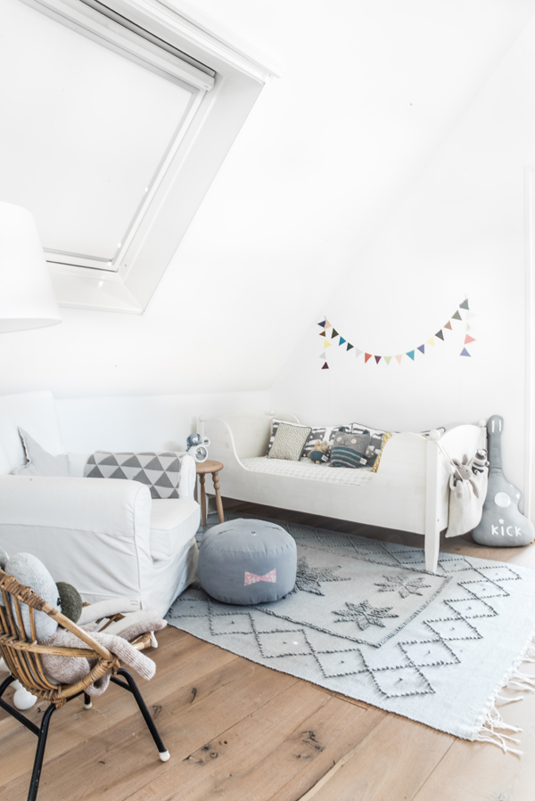 Nordic-grey-kids-room2