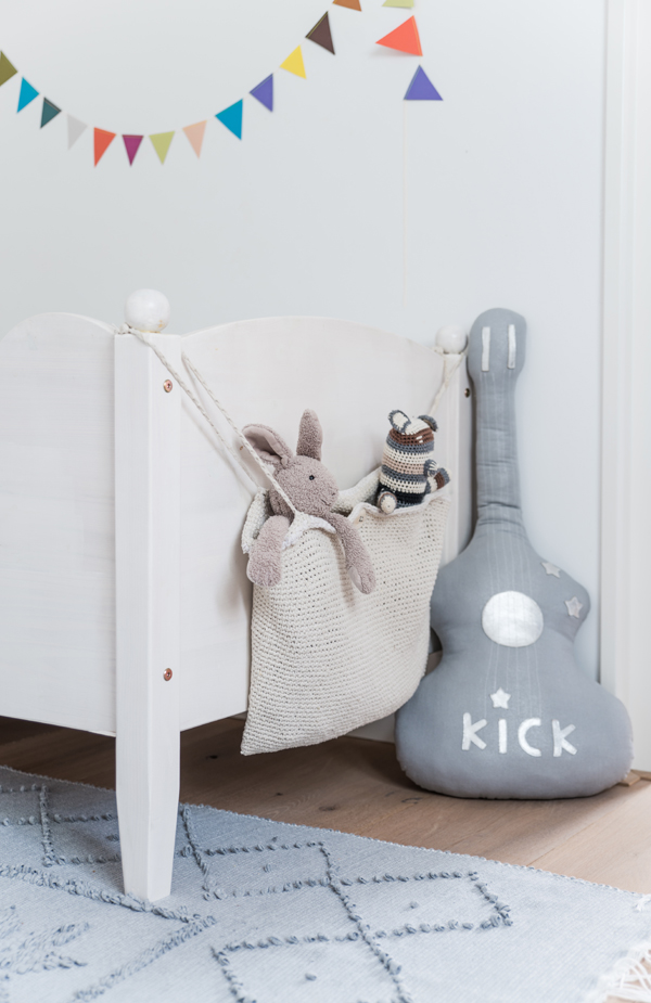 Nordic-grey-kids-room3