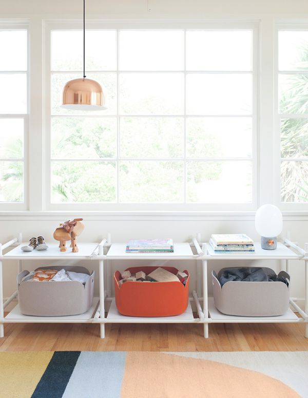 baby-nursery-design-shelves