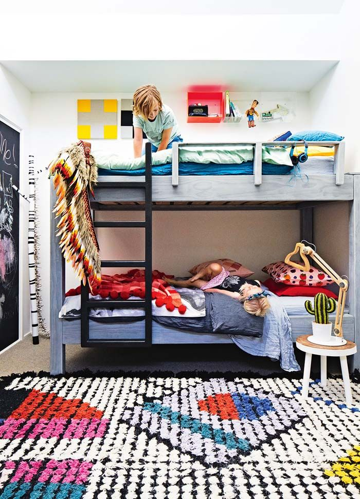 colourful-room-bunk-beds
