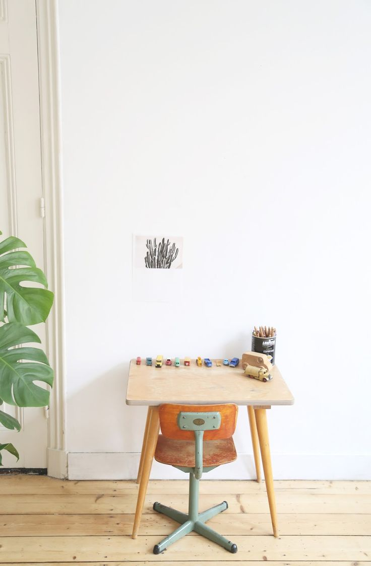 vintage-desks-for-children3