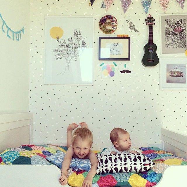 cheerful-kids-room2