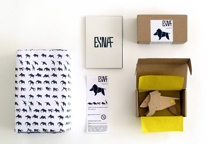wood-toys-the-animal-kingdom-packaging