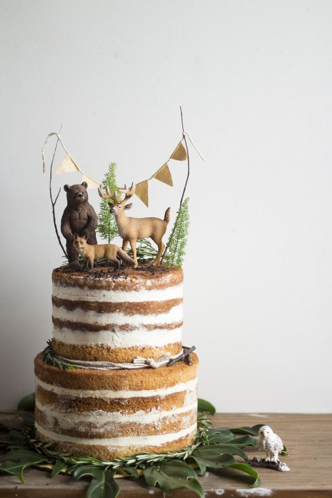 Ideas to Decorate Cakes with Toy Animals