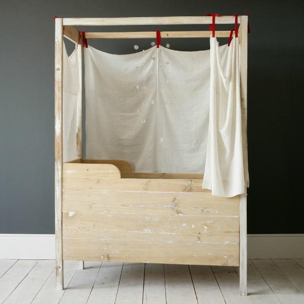 JANA-canopy-crib