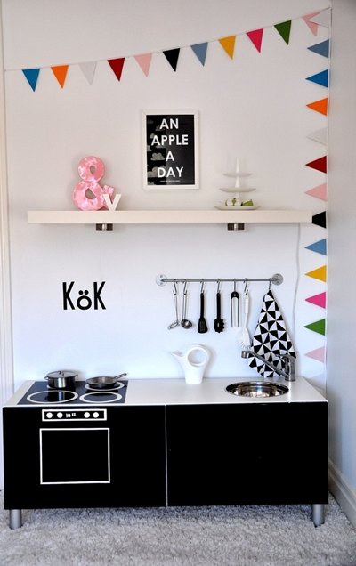 3 Beautiful Handmade Toy Kitchens