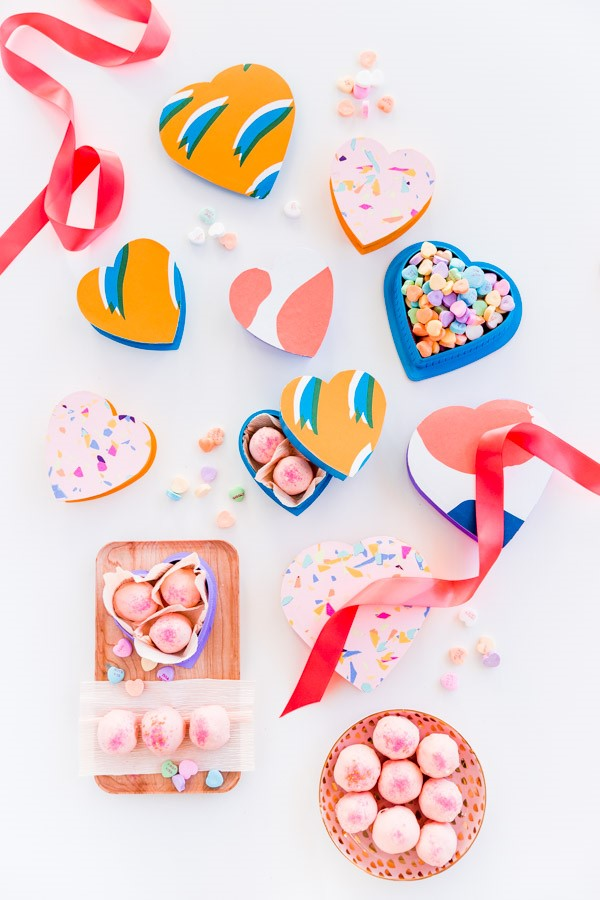 heart-shaped-candy-boxes-in-colorful-patterns