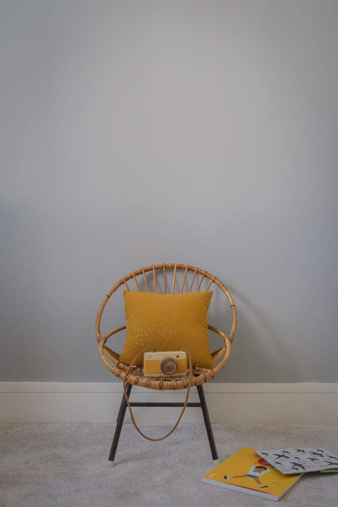 4 -- Rohe Noordwold hoop chair