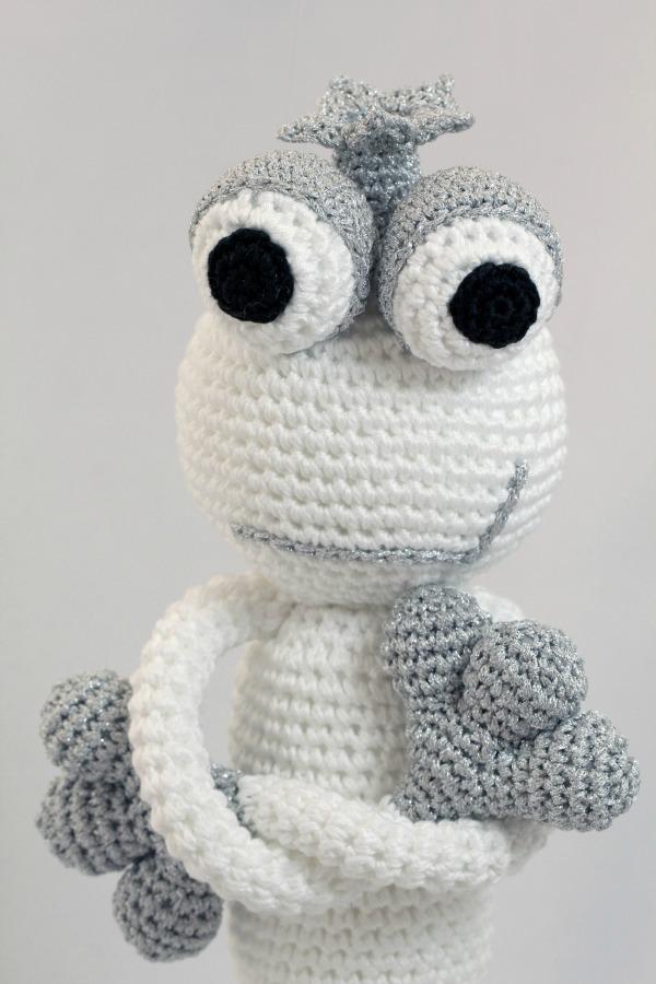 leggybuddy-crochet-toy